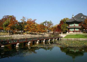 La pavillon de Hyangwonjeong